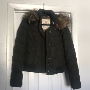 Hollister puffy down hooded jacket M